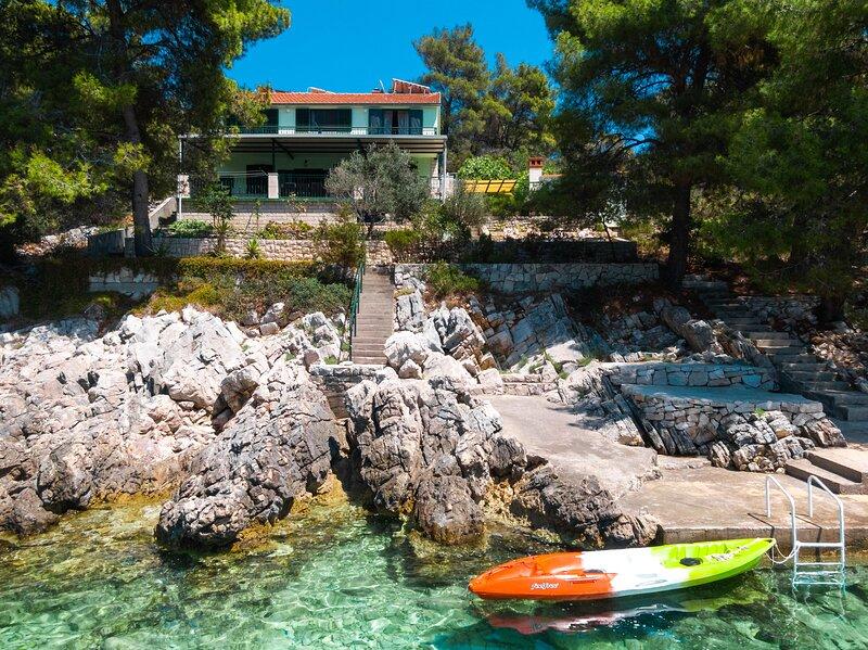 Holiday Home Melanie - Five bedroom house, Ferienwohnung in Prizba