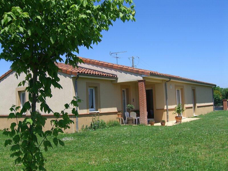 Villa Saint Jean, holiday rental in Aussonne