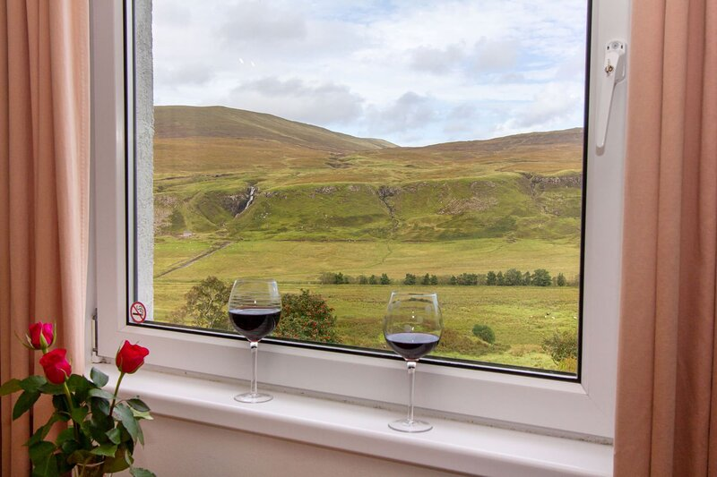 Fairy Nook Holiday Apartment, holiday rental in Waternish