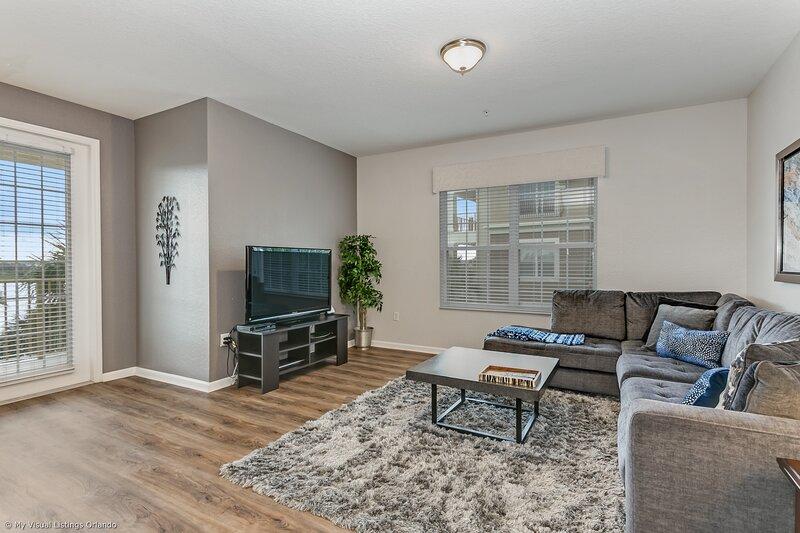Indoors,Room,Living Room,Flooring,Furniture