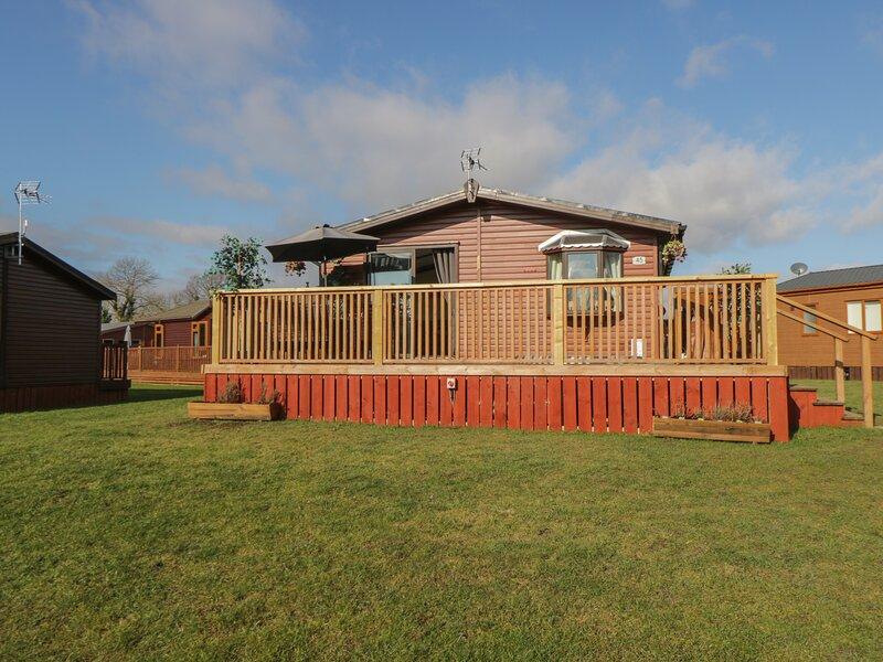 Jean's Lodge- Malton Grange, Malton, holiday rental in Swinton
