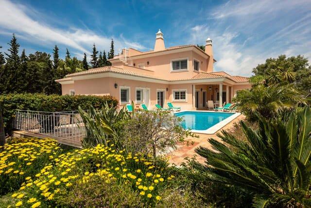 Villa Quinta Sula - 5 min walk to beach - Big grand house - 15 mins to lake, location de vacances à Quinta do Lago