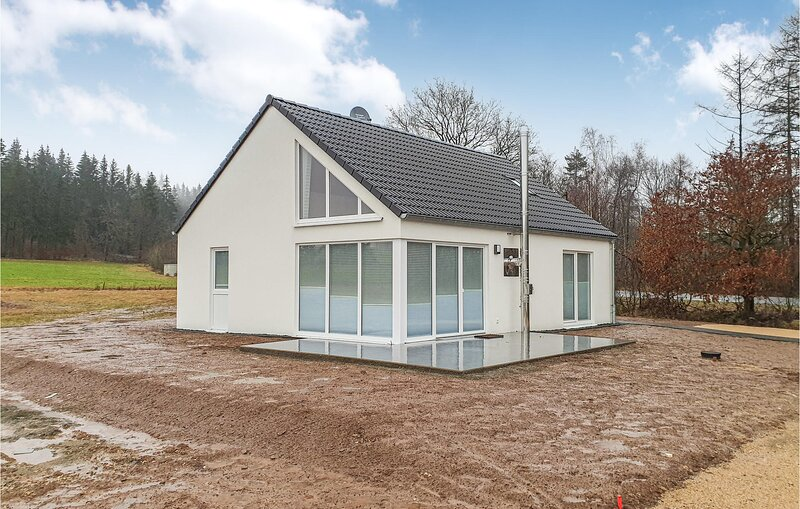 Amazing home in Bitburg-Prüm with Sauna and 3 Bedrooms (DEI141), holiday rental in Prüm