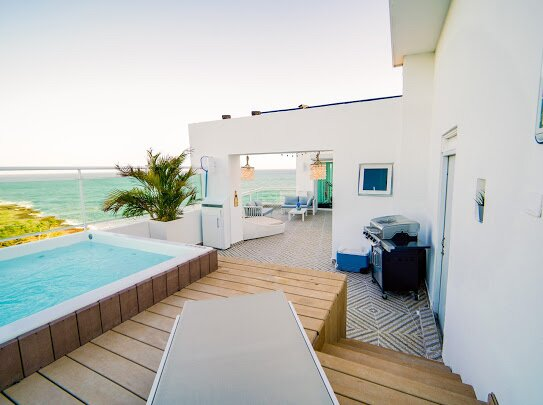 OCEAN FRONT ROOFTOP PENTHOUSE 2 FLOORS, holiday rental in Guayacanes