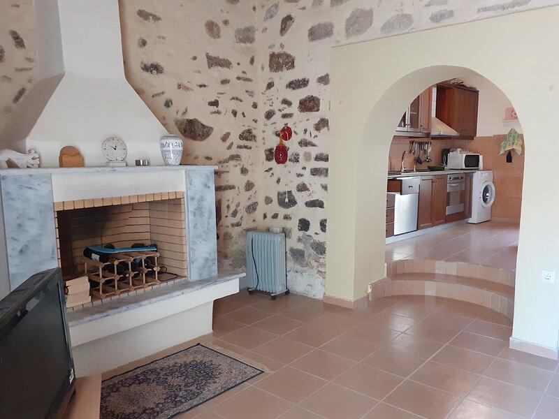 Remarkable 4 Bed Villa in Kerasia, casa vacanza a Pilio