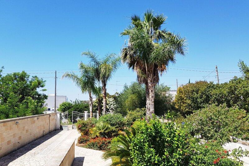 Villa Cloe | giardino mediterraneo, a/c, casa vacanza a Villaggio Boncore