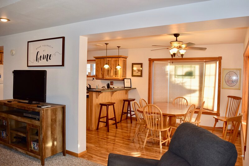 The Pepin Cottage - BND Properties, LLC, vacation rental in Alma