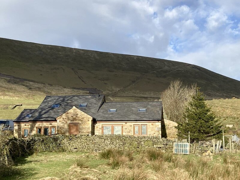 Hen House - UK31827, vacation rental in Colne