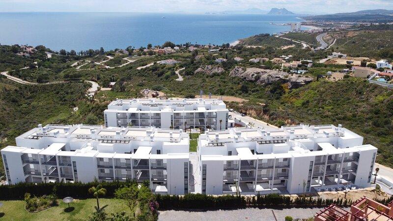Nieuwbouw appartement met panoramisch zeezicht, vacation rental in Pueblo Nuevo de Guadiaro