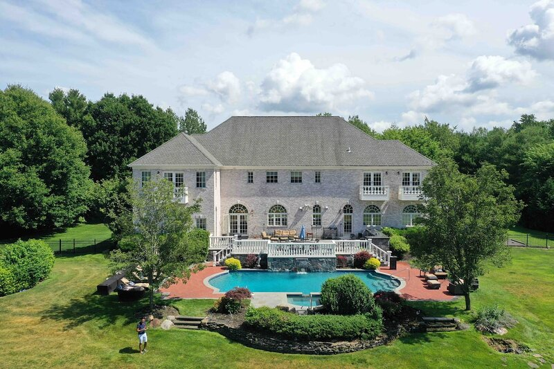 Villa East.Hamptons Style Villa, Heated Pool N Spa, casa vacanza a Greenwich