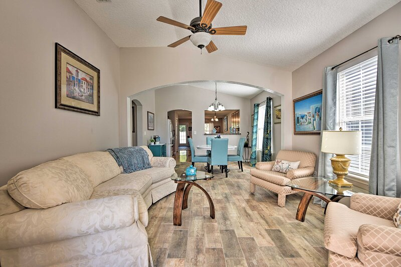 NEW! Upscale Yulee Home w/ Deck - 10 Mi to Beaches, holiday rental in Yulee