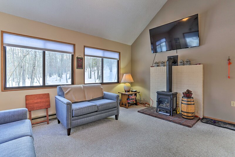 Living Room | Smart TV