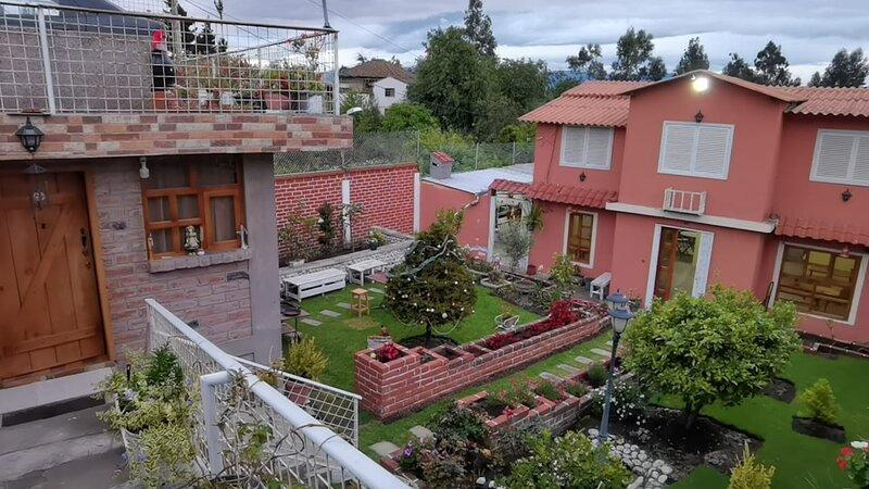 Villa Margaritas, para pasar en familia o amigos uso de toda la propiedad, alquiler vacacional en Baños
