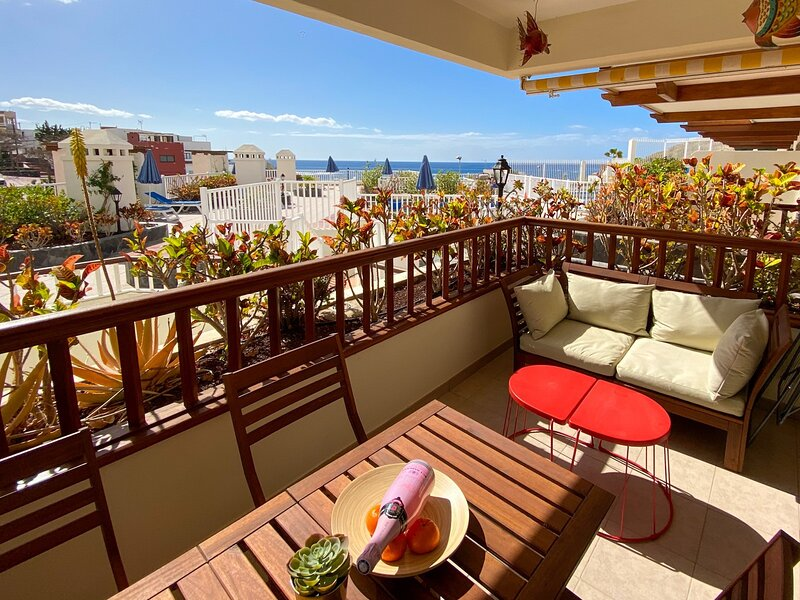 La Caleta with love Free Wifi, holiday rental in La Caleta