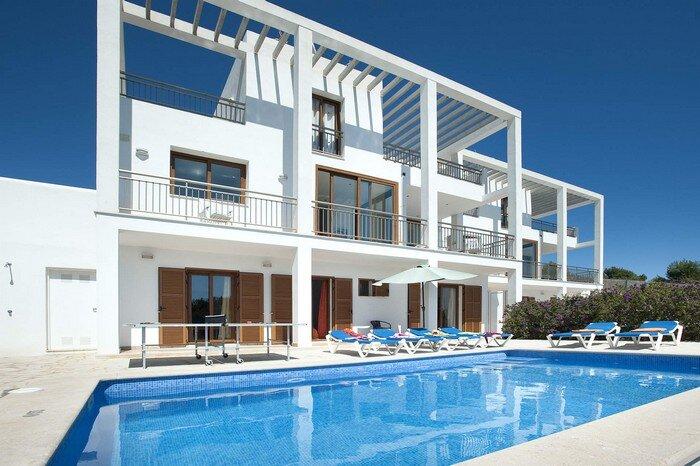 Cala Dia 4bdr villa close to the marina with private pool close to the marina, alquiler de vacaciones en Mallorca