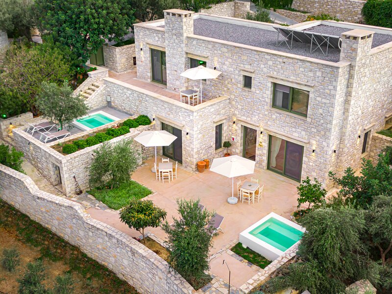 Dalabelos Estate - Villa 4 BR with Jetted Tub, holiday rental in Perama