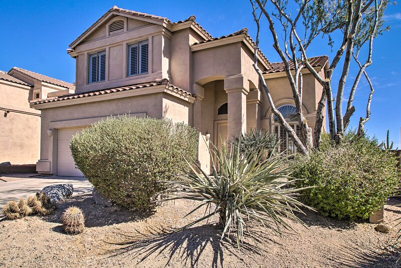 NEW! Spacious, Updated Resort Home on Golf Course!, holiday rental in Apache Junction