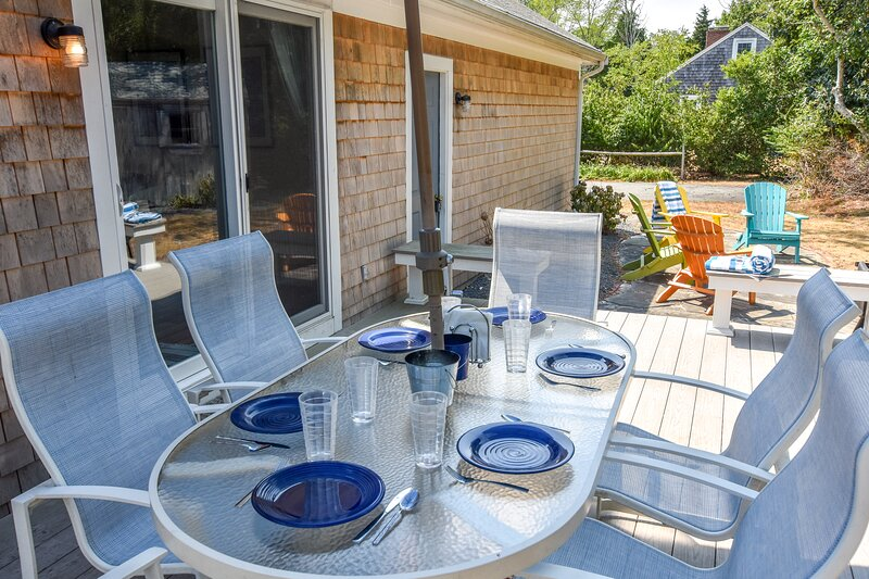 #404: 3 Mins to Nauset Light Beach, Next to Bike Trail, Spacious Yard, Deck w/ G, location de vacances à Eastham