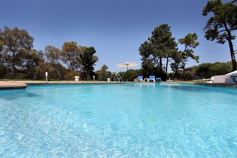 Finca en la playa, vista al mar a 2 pasos de Lisboa, casa vacanza a Charneca da Caparica