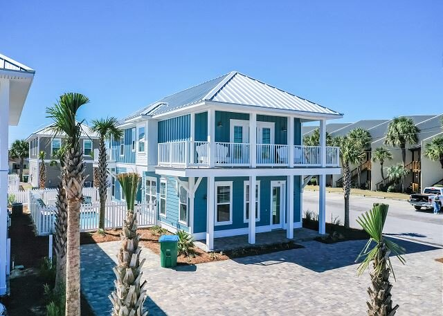PURA VIDA! NEW LISTING & HOME! Private Heated Pool, Steps From The Beach!, holiday rental in Panama City Beach