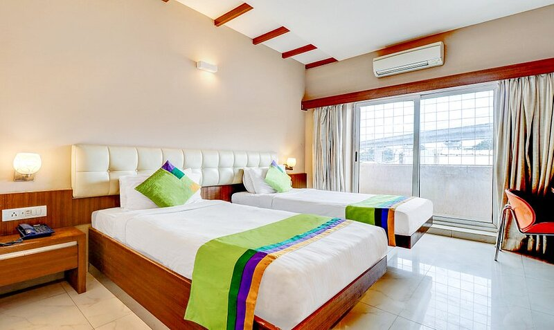 The Avenue Hotel, holiday rental in Harohalli