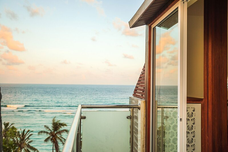 Enticing Suite With Rooftop Terrace Walk To Beach, vacation rental in Kaafu Atoll