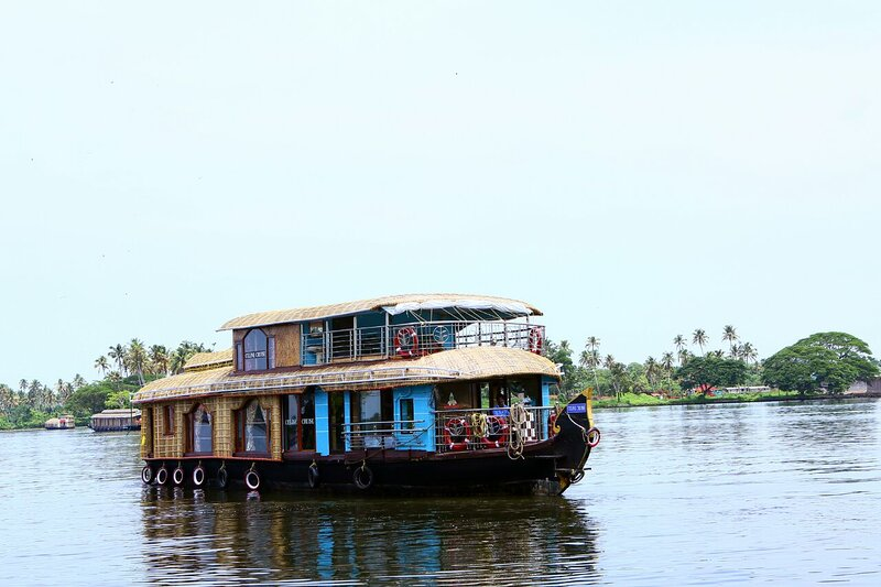 Sreekrishna's 3bedroom private houseboat with all meals, holiday rental in Kumarakom