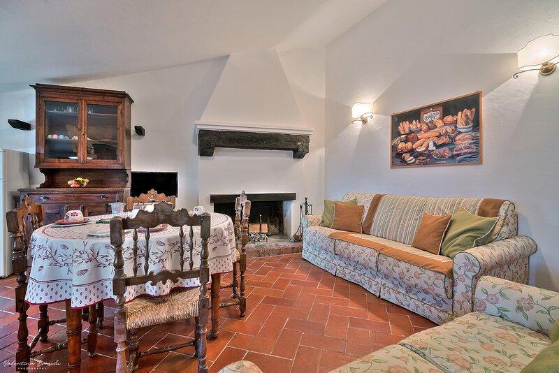 Castello di Sarna, Appartamento Etrusco, holiday rental in La Verna