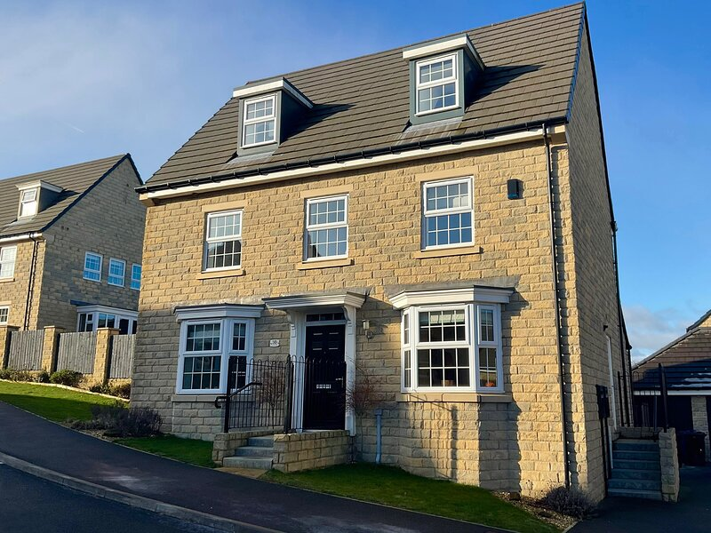 Holly House, Penistone, holiday rental in Grange Moor