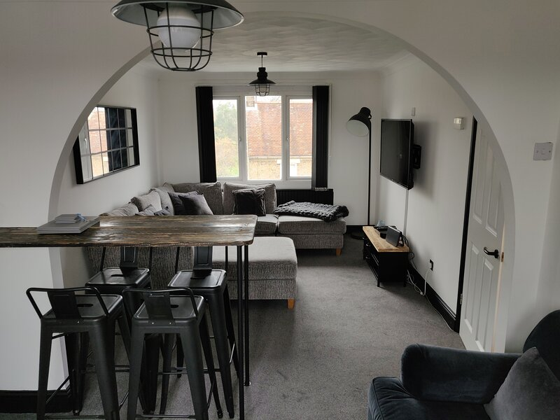 Penthouse Apartment Barley Court 7, holiday rental in Hilton