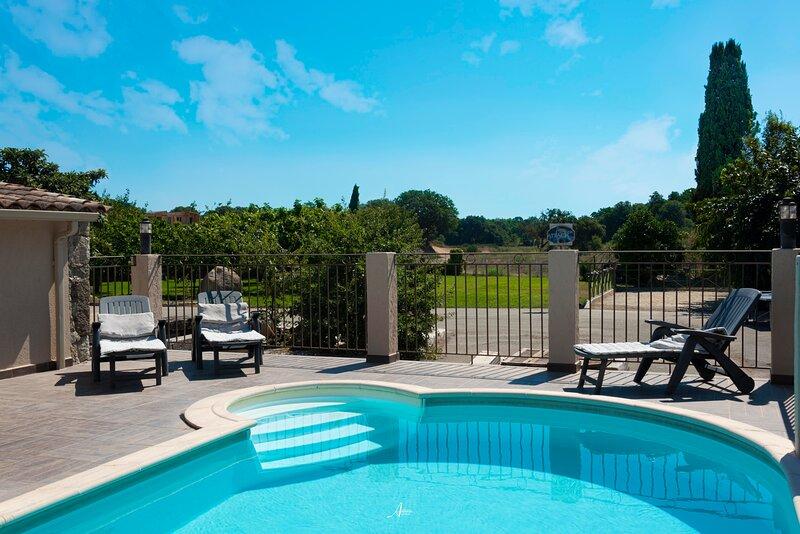 maison piscine privée, aluguéis de temporada em Valle-di-Rostino