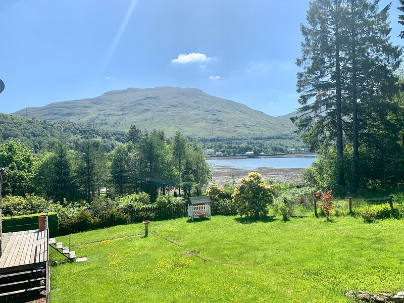 Ben Bheula - Stunning Lochside Lodge at the Foot of The Cobbler, aluguéis de temporada em Arrochar