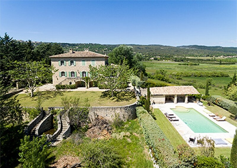 A STANDING JEWEL IN THE MOST STUNNING VILLAGE OF FRANCE-GORDES LUBERON, holiday rental in Saint-Pantaleon