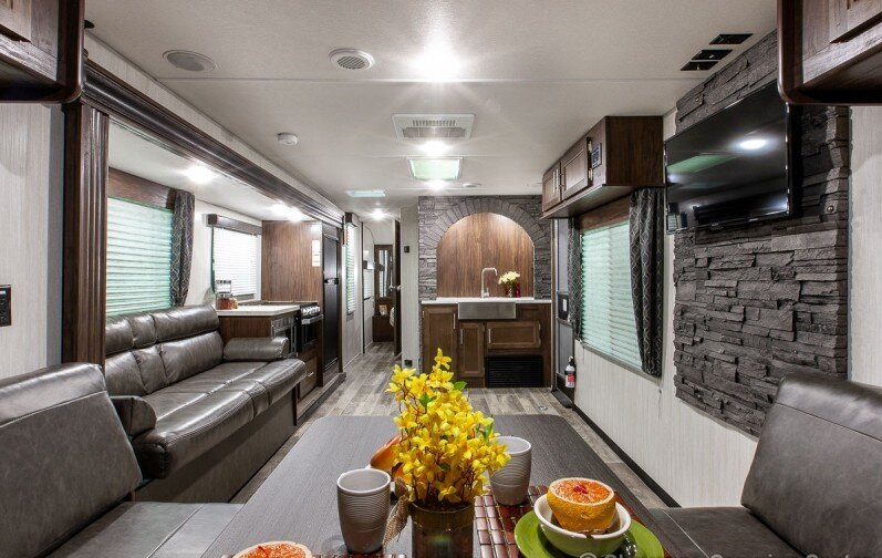RV Rental for pick up, delivery or staying on our property(limit 2 guest), holiday rental in Loxahatchee