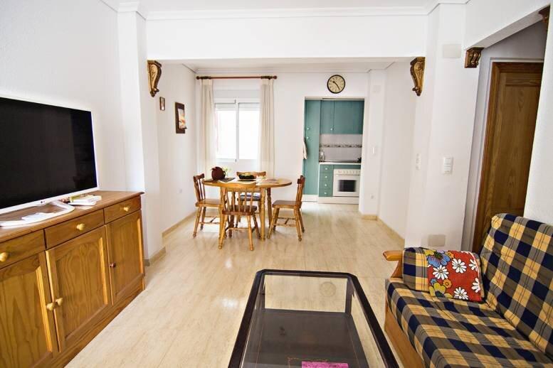Hus 2-plan, 2 badrum, 2 sovrum, patio, takterrass, strandnära i Gran Alacant, vacation rental in El Altet