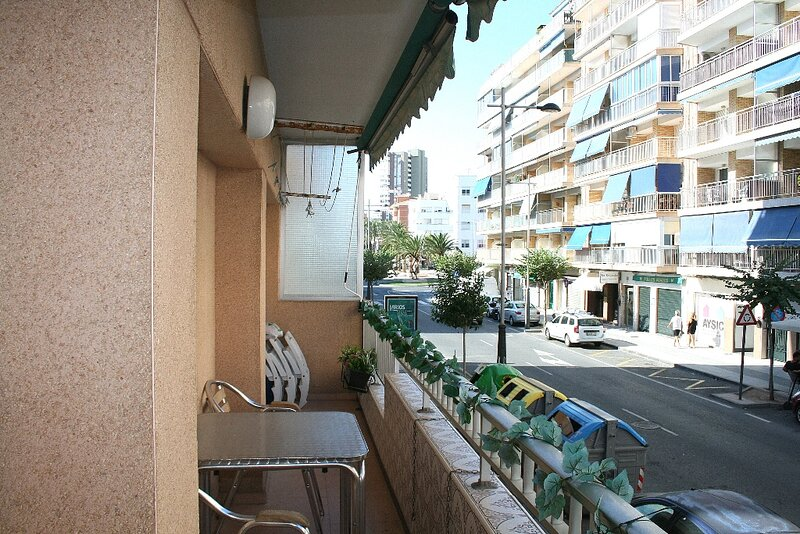 El Campello town apartment, holiday rental in Hoya de los Patos