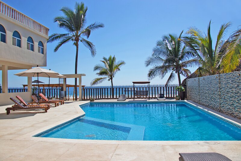 Sammys Beach House, holiday rental in Acapulco