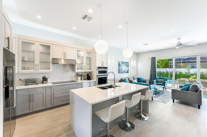 Brand New Luxury Construction Blocks from Beach and Delnor-Wiggins State Park, alquiler de vacaciones en Naples Park
