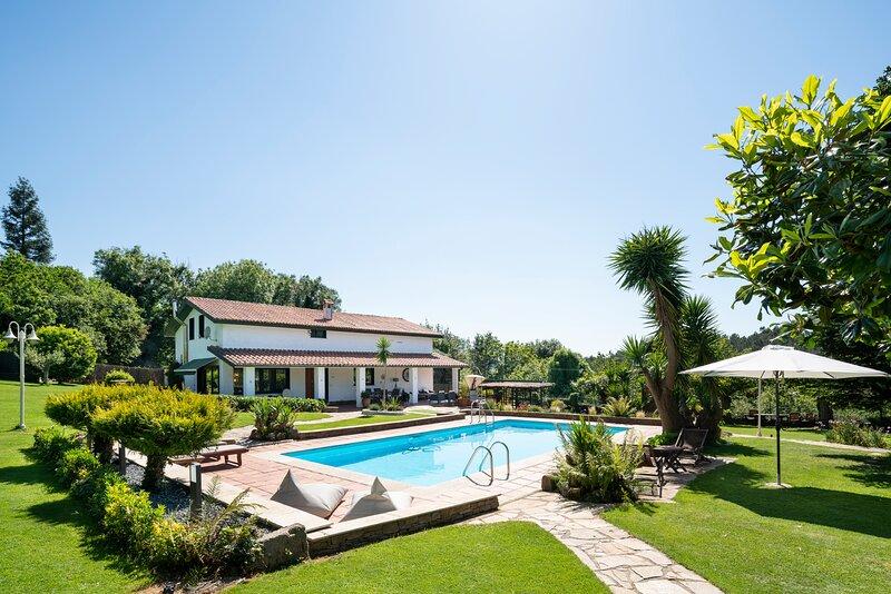 Espectacular Villa /GALICIA /playa/ Coruña, holiday rental in Mino