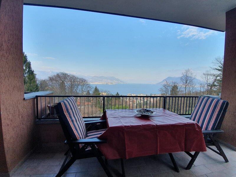 La Bella Vista Penthouse – semesterbostad i Stresa