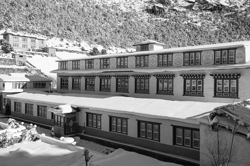 Hotel with friendly environment and free wifi along with museum and gallery, location de vacances à Namche Bazaar