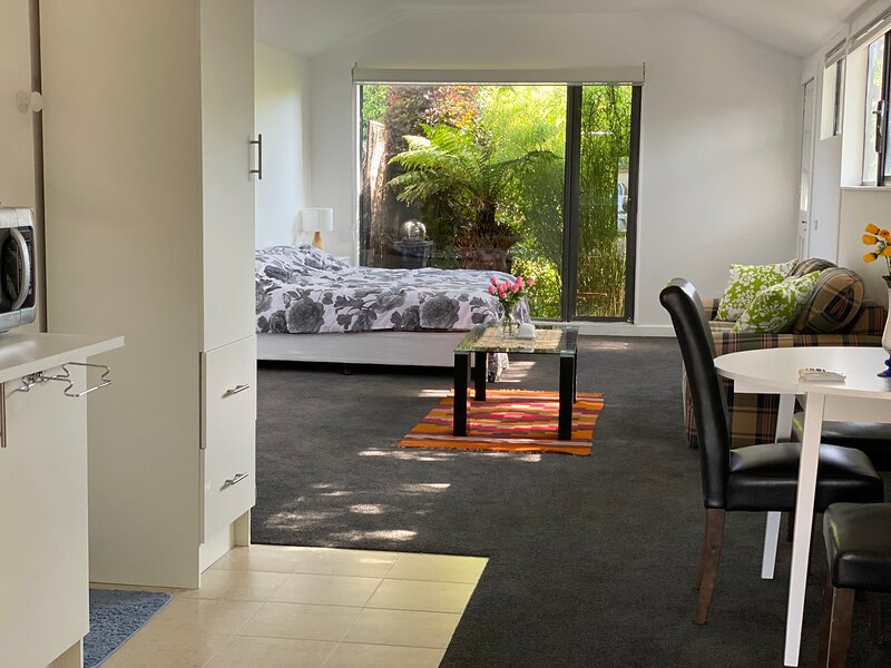 Unforgettable studio for family, holiday rental in North Geelong