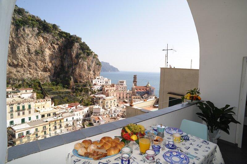 Maika House - Amalfi coast - seaview, casa vacanza a Atrani