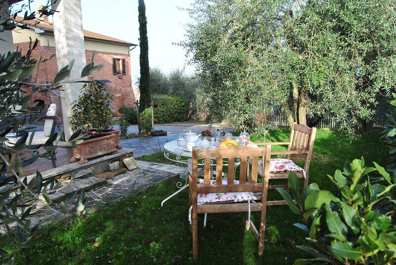 VINOVA Town House -  Indipendent House with private garden near Montepulciano, aluguéis de temporada em Acquaviva di Montepulciano