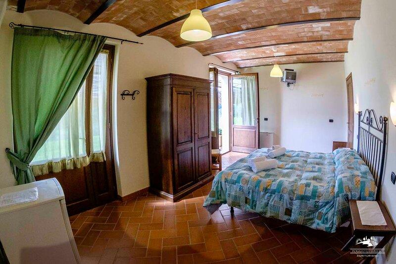 La Tabaccaia Camera Tulipano, vacation rental in La Pesta