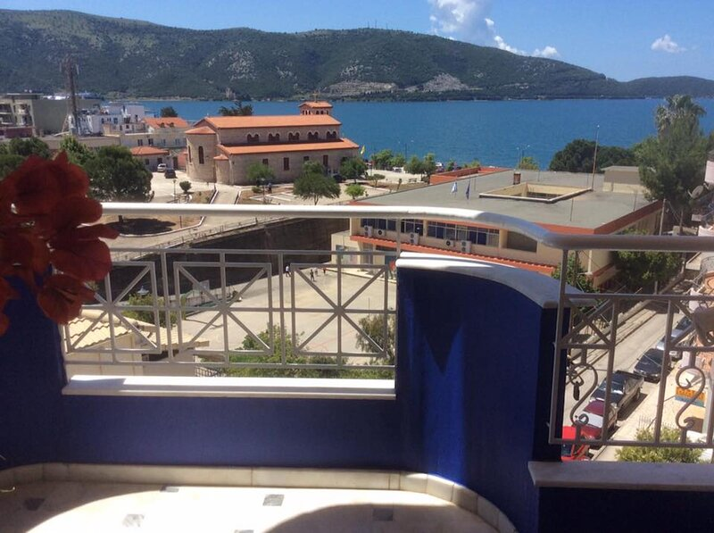 Breathtaking Studio with Sea View, holiday rental in Plataria