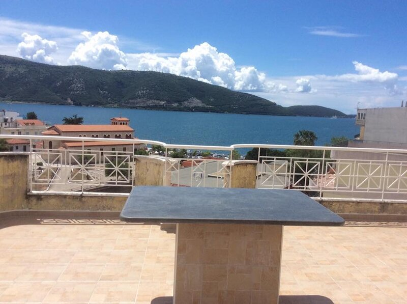 Marvelous one Bedroom Apartment in the City Center, holiday rental in Plataria