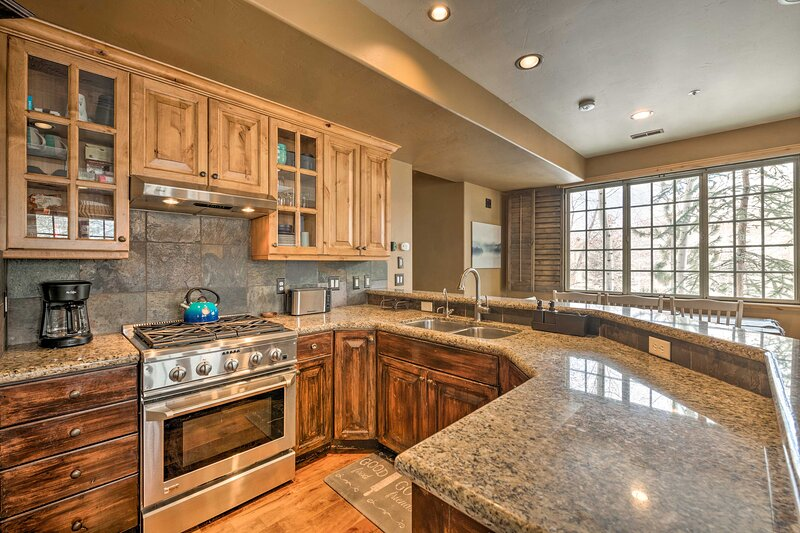 Fully Equipped Kitchen | Drip Coffee Maker | Tea Kettle | Cooking Basics