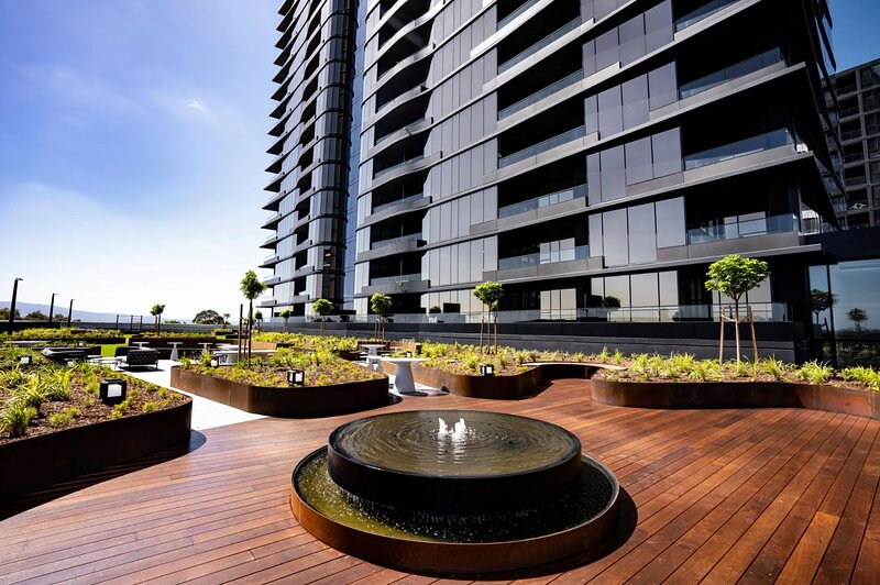 Moody Moon Apartment at Sky Garden - Glen Waverley, vacation rental in Rowville