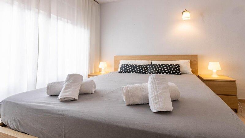 BEAUTIFUL APARTMENT IN TRIANA 102, holiday rental in Mairena del Aljarafe
